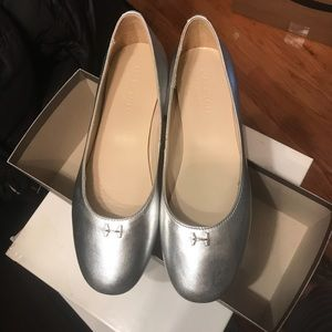 NEW Halston Heritage Leather Silver Flats Sz 8.5
